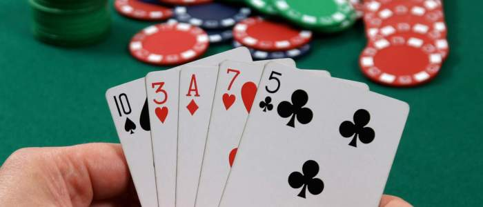 Reasons of Playing Online Poker