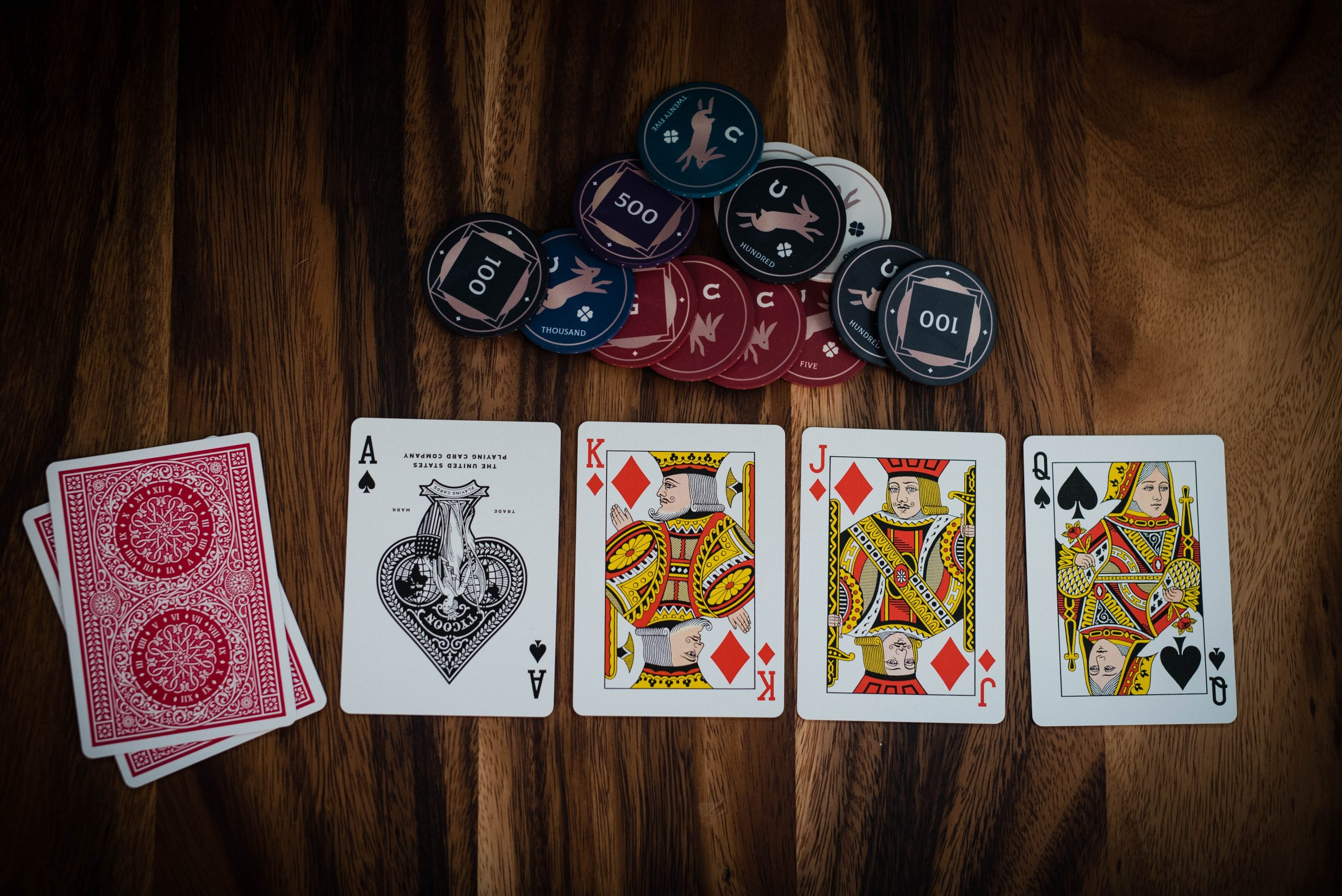 Have a great time of playing online casino games