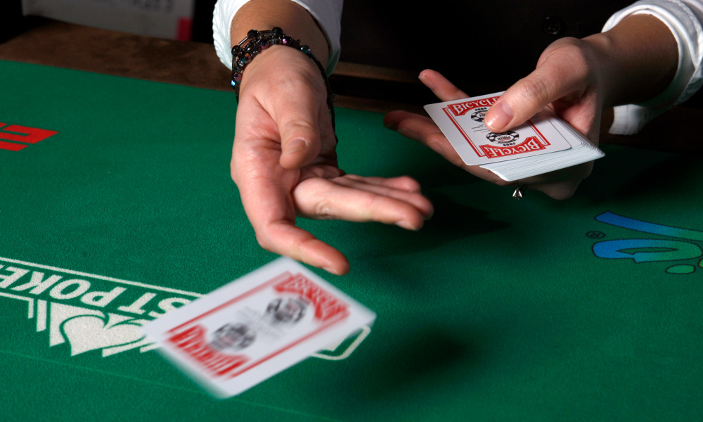 Online Poker Gaming Is The New-Age Gambling